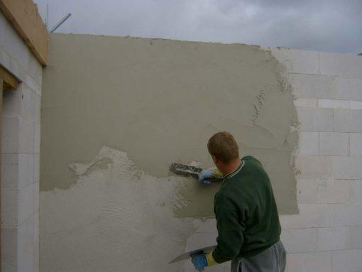 Как штукатурить стену цементным раствором толстый слой укладываемая бетонная смесь