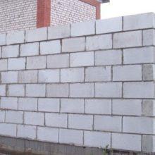 Забор из пенобетона