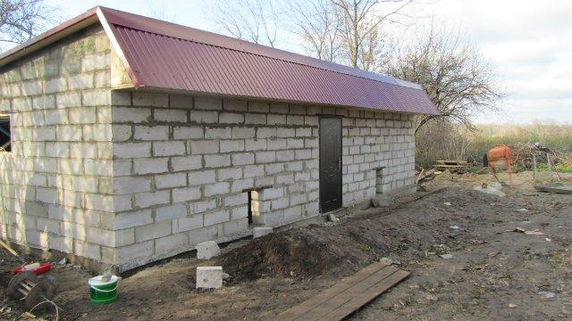 Строительство двухэтажного сарая на даче своими руками
