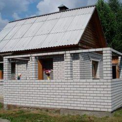 Пристройка к дому из пеноблоков
